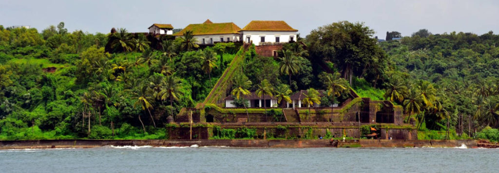 Ries Magos Fort from Mandovi River